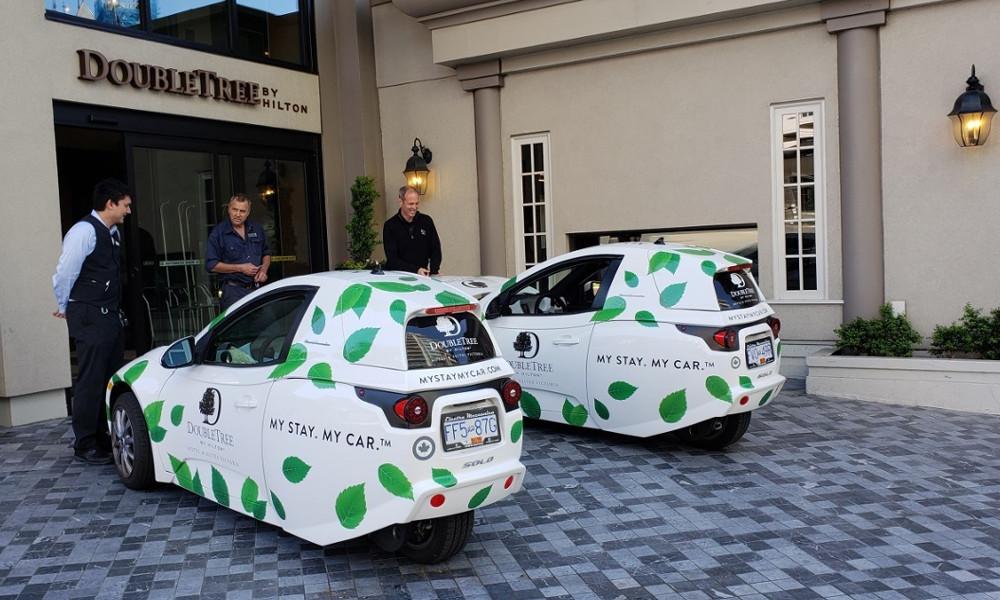 Cet hotel de luxe prête des voitures électriques à ses clients