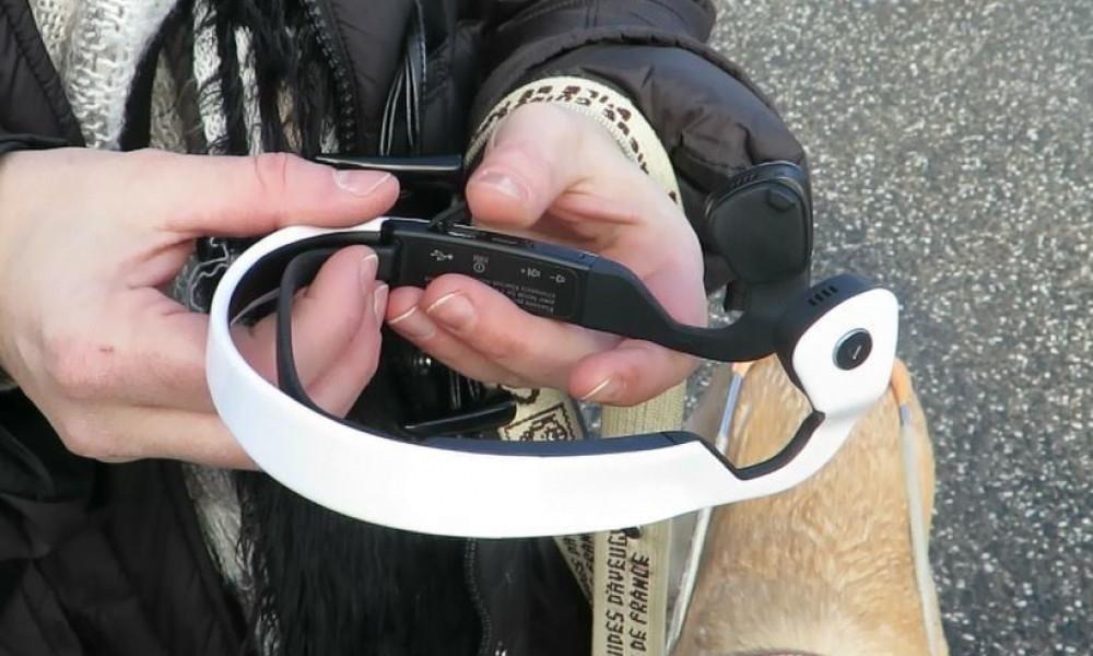 Ce casque guide les aveugles aussi bien qu'un labrador