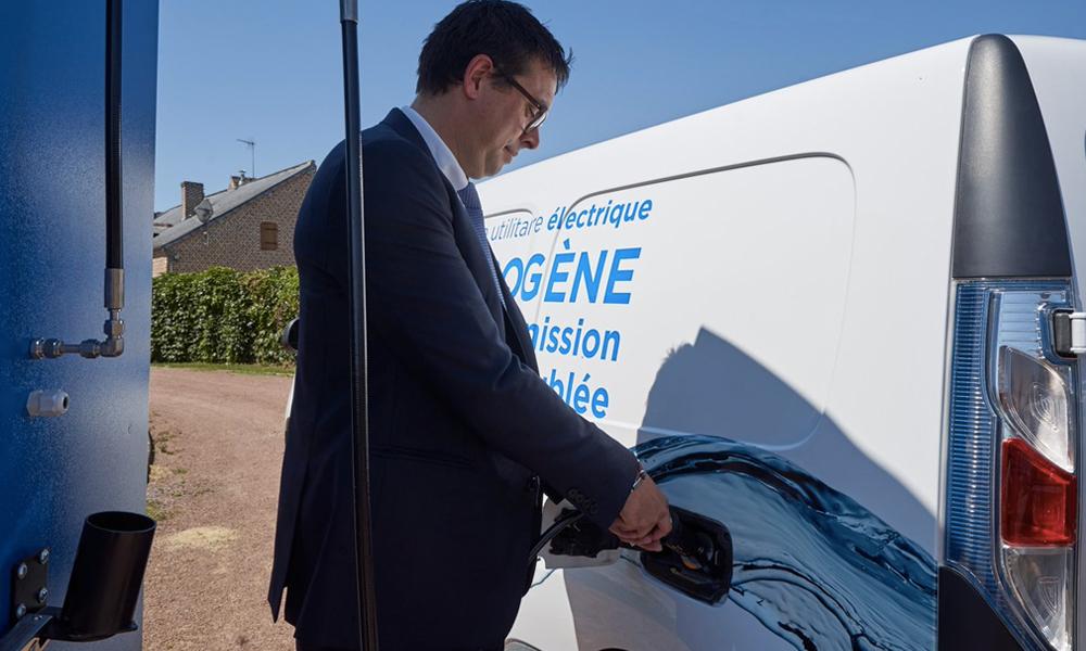 Un village français teste un service de voitures à hydrogène en libre service