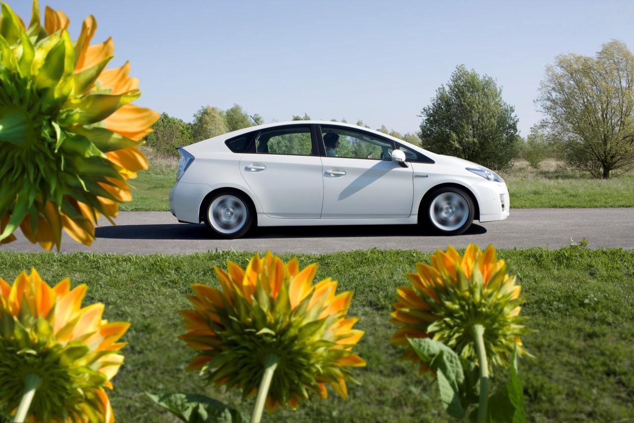 Un rapport le confirme : l'hybride moins polluant que le tout électrique