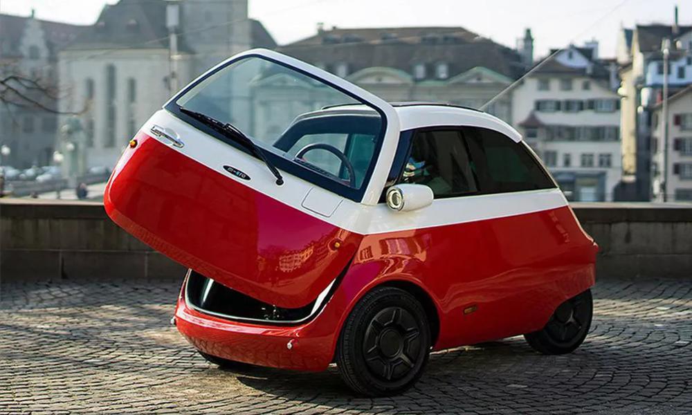 Cette voiture boule peut se garer vraiment partout