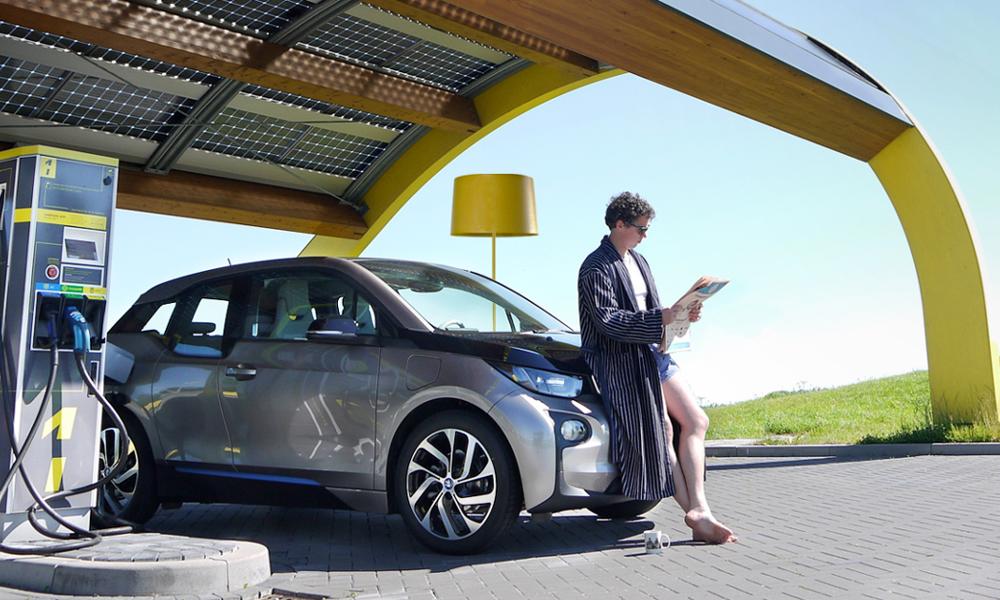 Une asso française veut brancher les voitures électriques sur l'énergie solaire