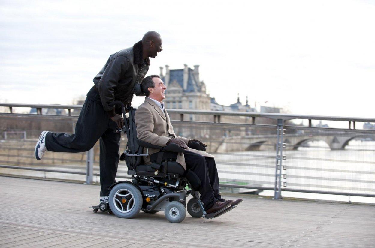 Faciligo : un service d'entraide entre voyageurs, seniors et handicapés