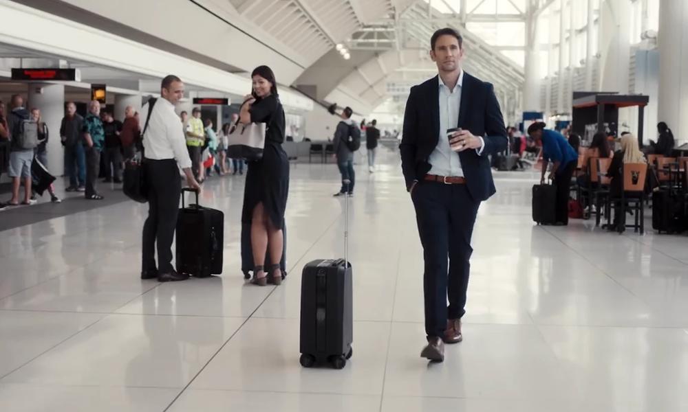 Une valise autonome qui vous suit dans l'aéroport