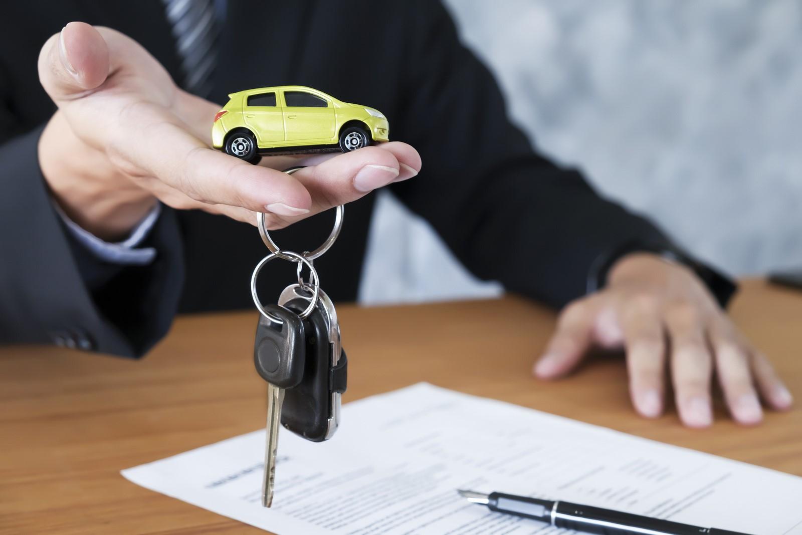 Payer son assurance voiture à la minute, c'est possible