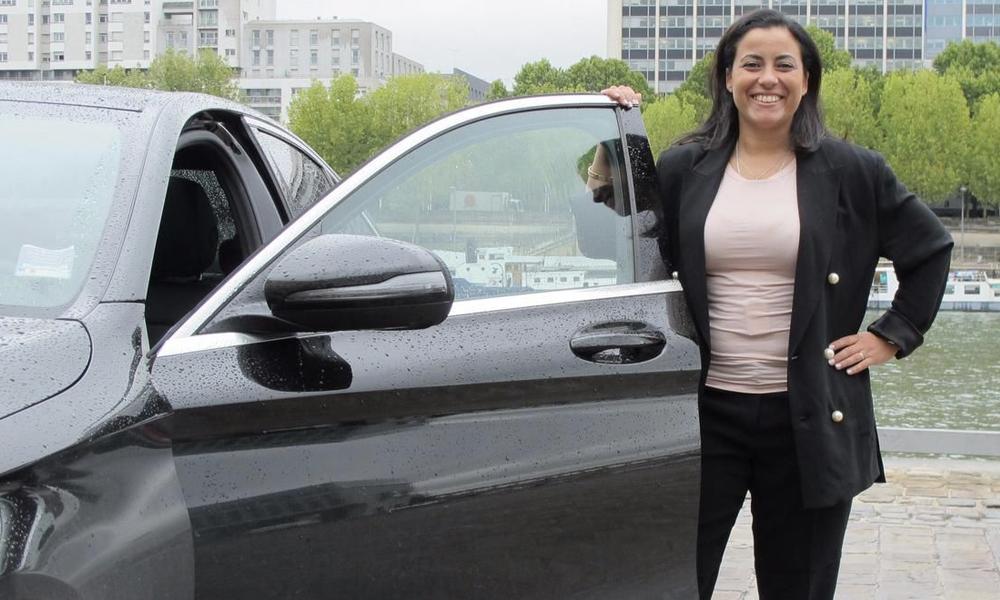 Fatiguée par le harcèlement, elle crée un service de taxis conduits par des femmes