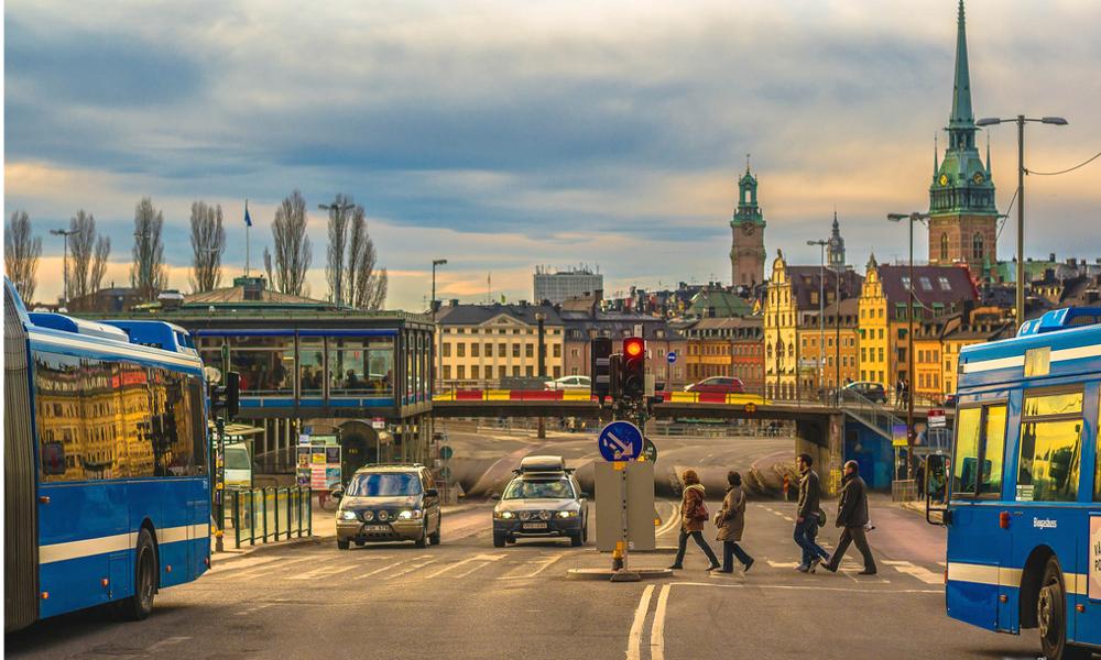 Deux fois moins d'accidents mortels : mais comment fait la Suède ?