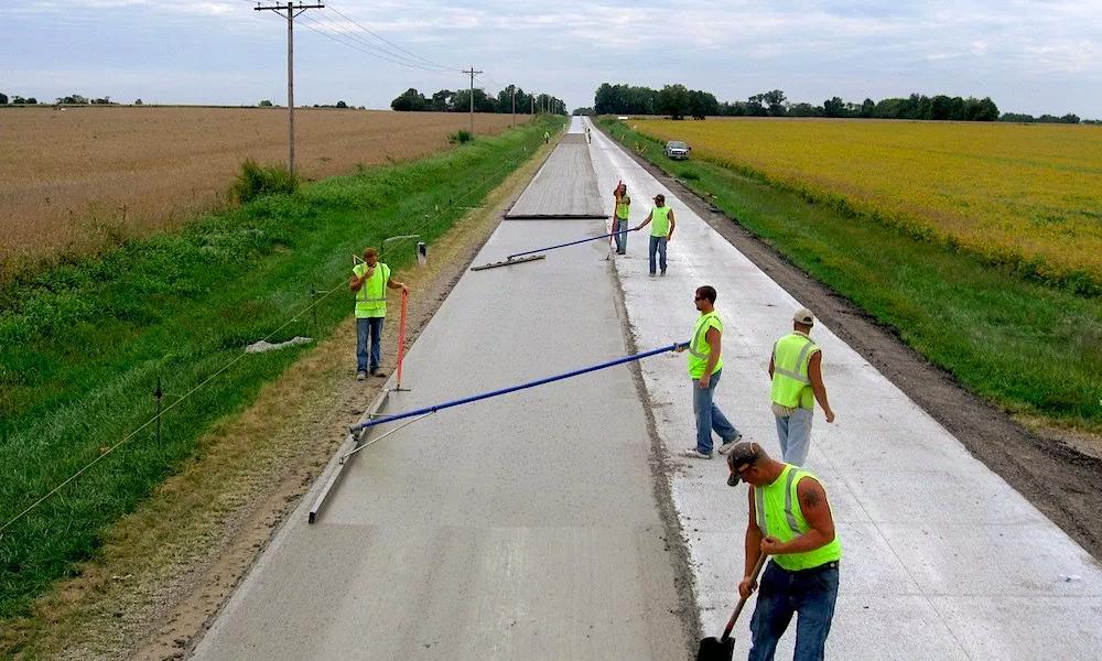Du bitume végétal pour réparer les routes du sud de la France