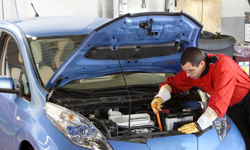 Pour moins de 500 euros, cette entreprise répare les batteries des voitures électriques