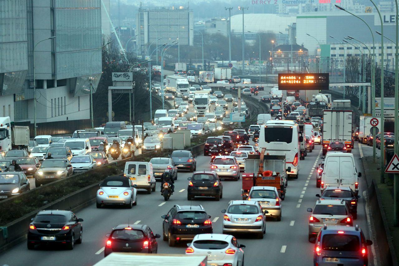 Mille places de parking aux portes de Paris pour désengorger la capitale