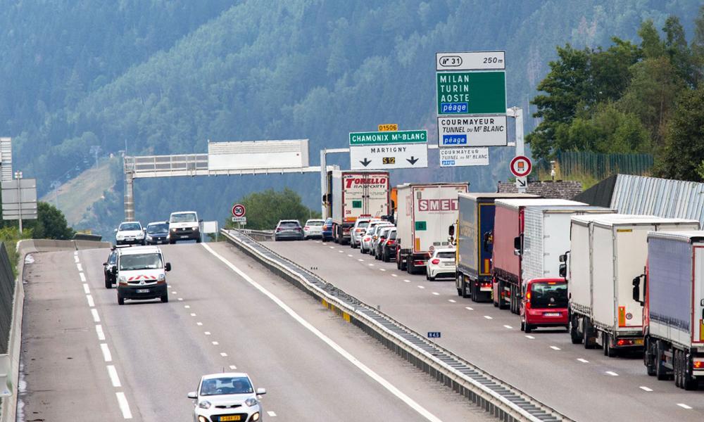 La première voie rapide réservée au covoiturage ouvre dans les Alpes