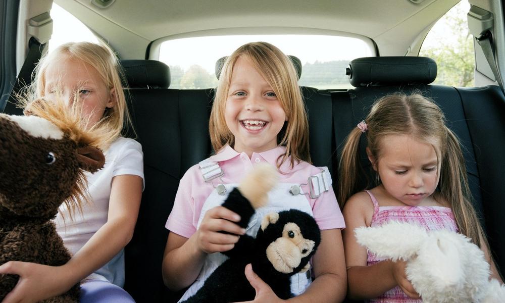 Vos enfants s'ennuient dans la voiture ? Voici 5 jeux pour les occuper sur l'autoroute