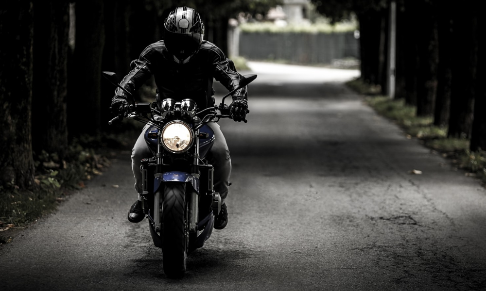 Des Français inventent un airbag révolutionnaire pour les motards