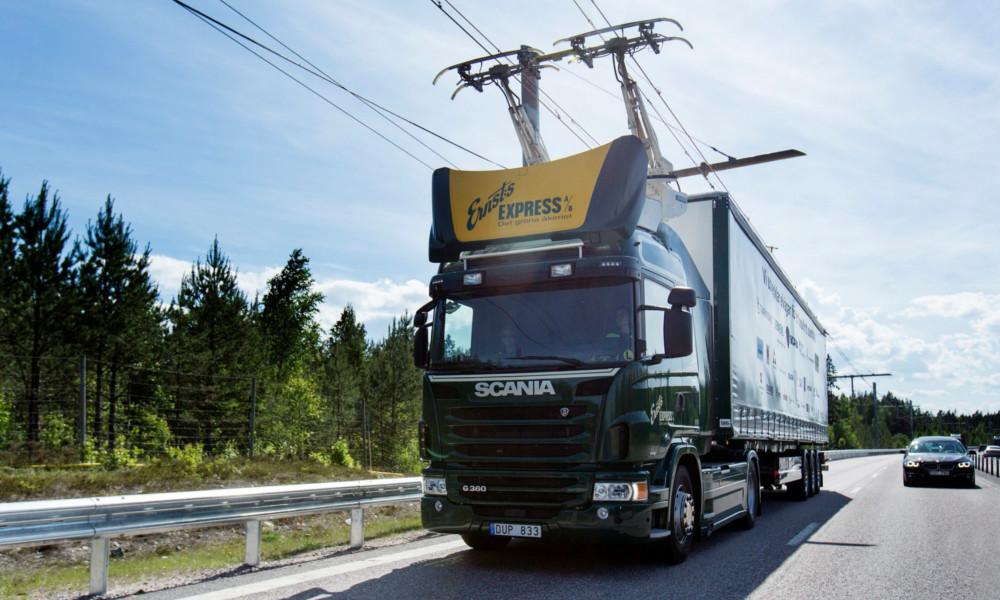 Une autoroute électrique où les camions roulent comme des tramways