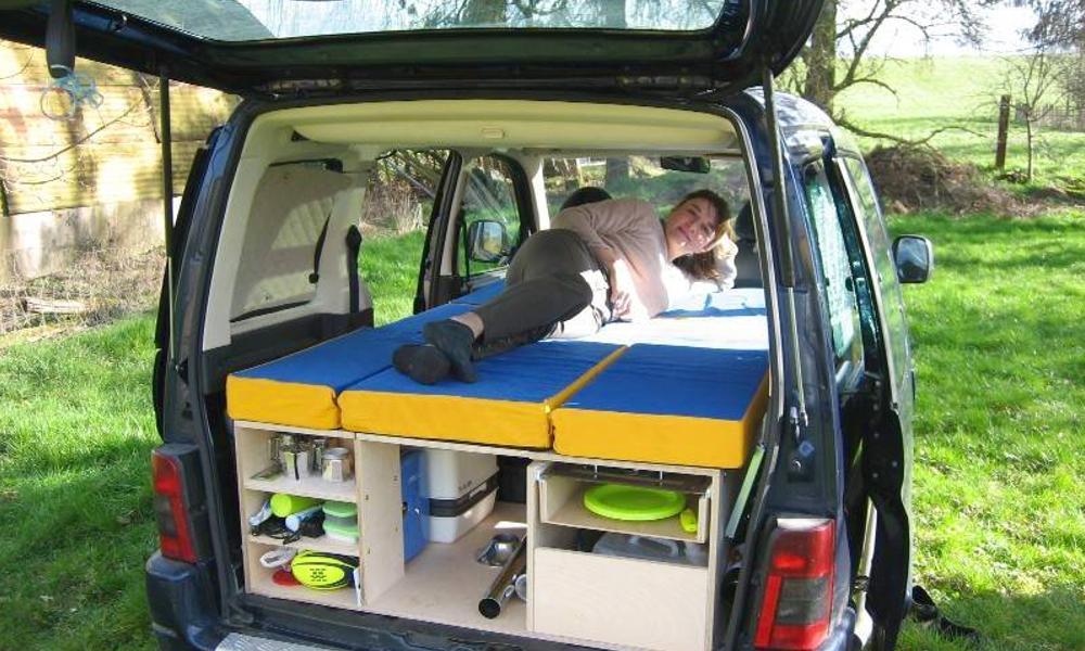 Comment convertir n'importe quelle voiture en camping-car ?