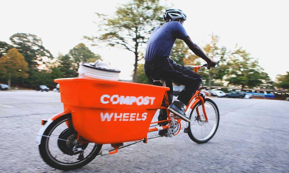 Ces cyclo-éboueurs récupèrent les déchets pour en faire du compost