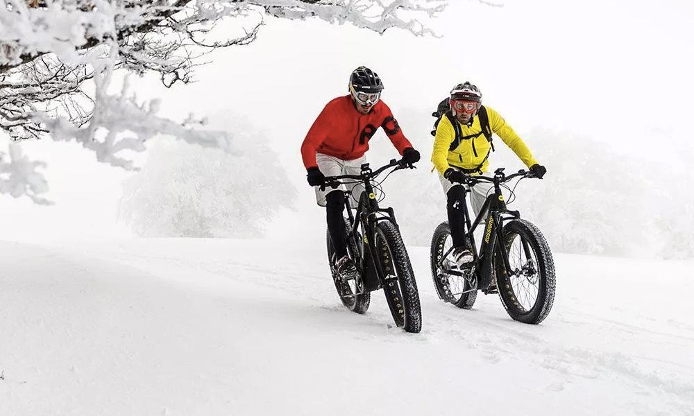 Pédaler dans la neige, avec ce vélo c'est possible