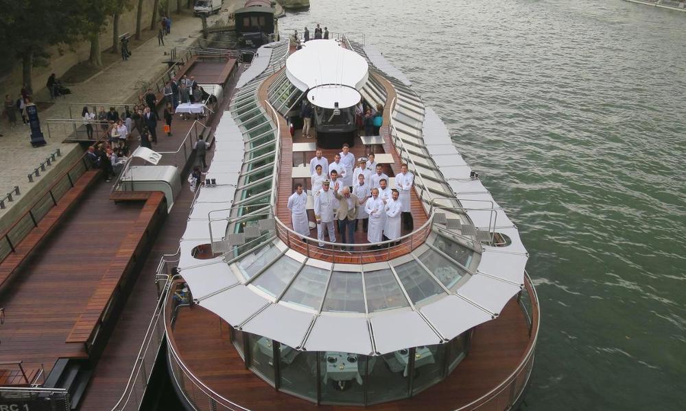 Alain Ducasse ouvre un resto étoilé sur un bateau électrique