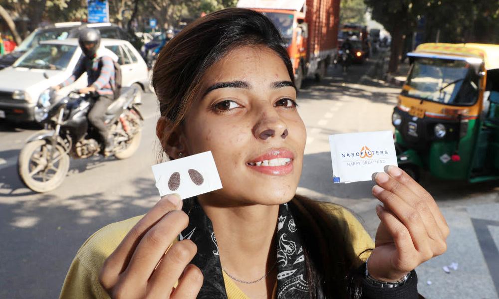 Ces nouveaux filtres anti-pollution se collent sous le nez