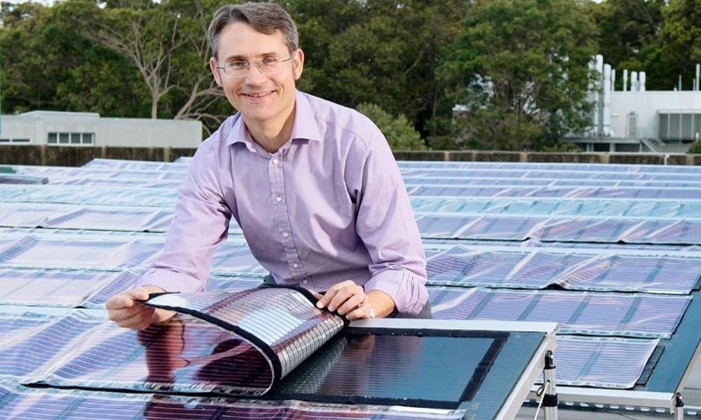 Il invente les panneaux solaires à imprimer chez soi