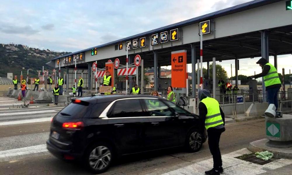 Merci les gilets jaunes : l'État annonce une réduction de 30% aux péages d'autoroute
