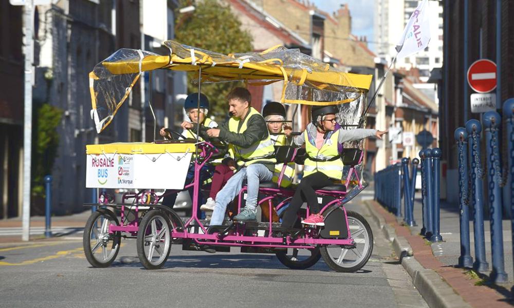À Dunkerque, le ramassage scolaire se fait à vélo