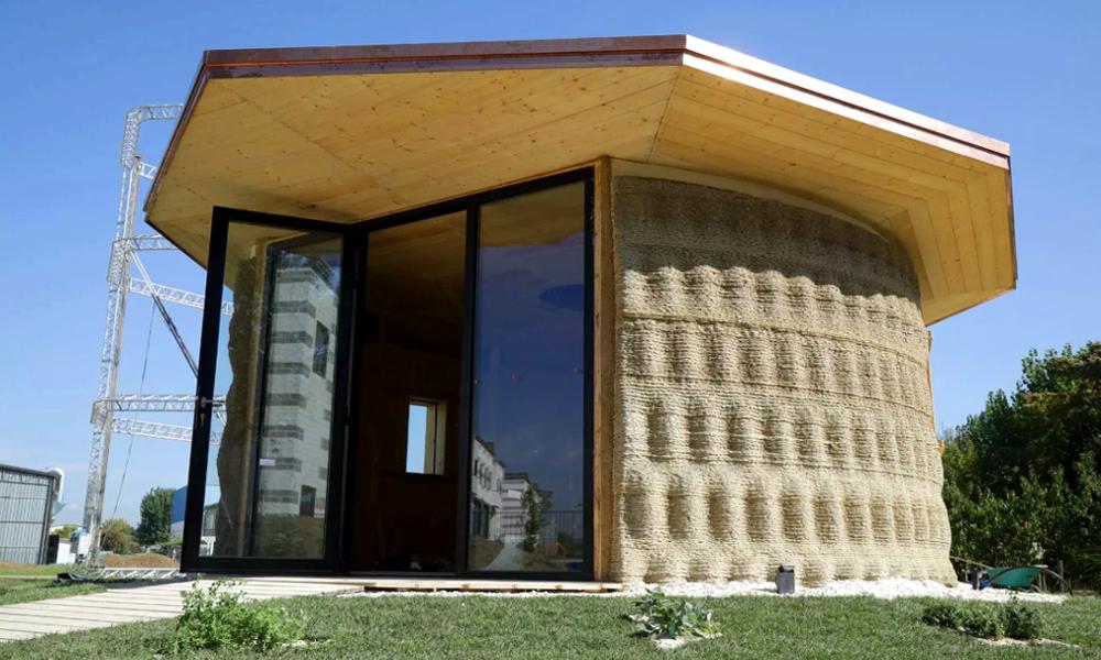 Cette maison en déchets naturels coûte 900 €