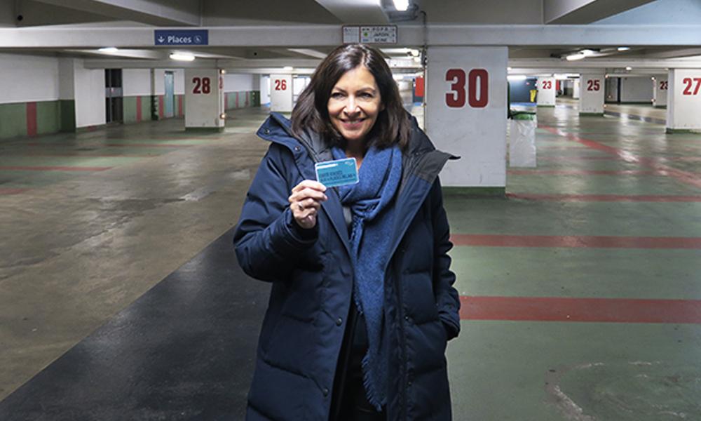 Paris libéré : Anne Hidalgo offre 3000 places de parking supplémentaires