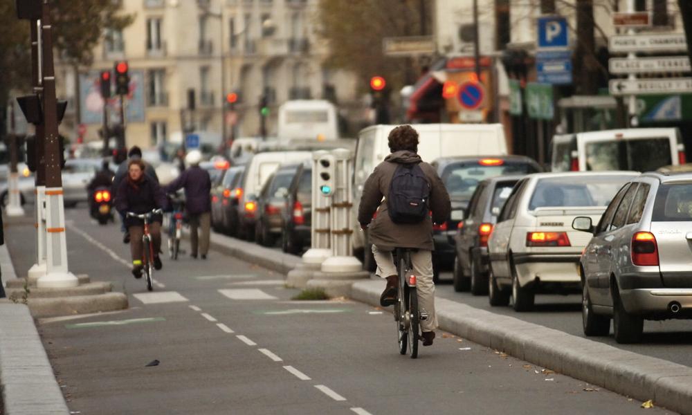 Selon Deliveroo, les vélos vont plus vite que les voitures en ville