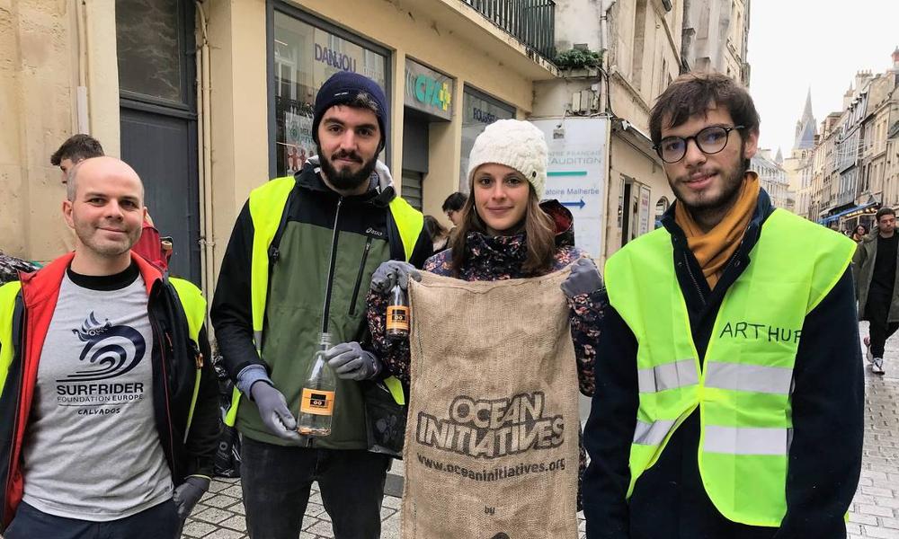 Tendance de l'hiver : partir en randonnées anti-déchets