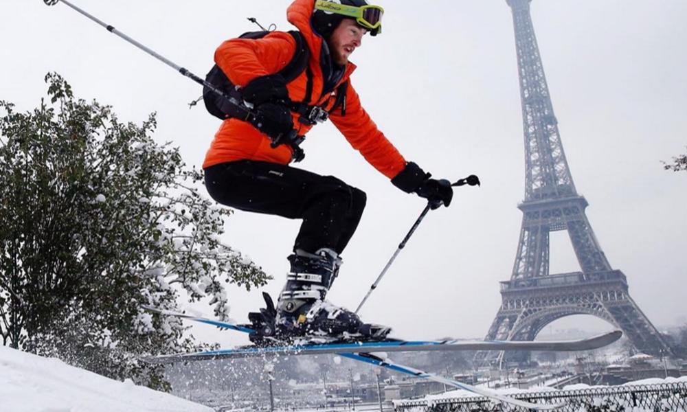 Cet hiver, on pourra (virtuellement) skier sur la tour Eiffel