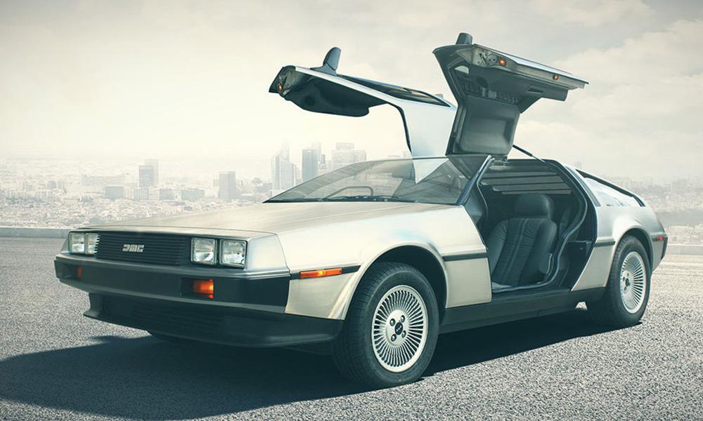 D'après la science, on peut voyager dans le temps avec DEUX voitures