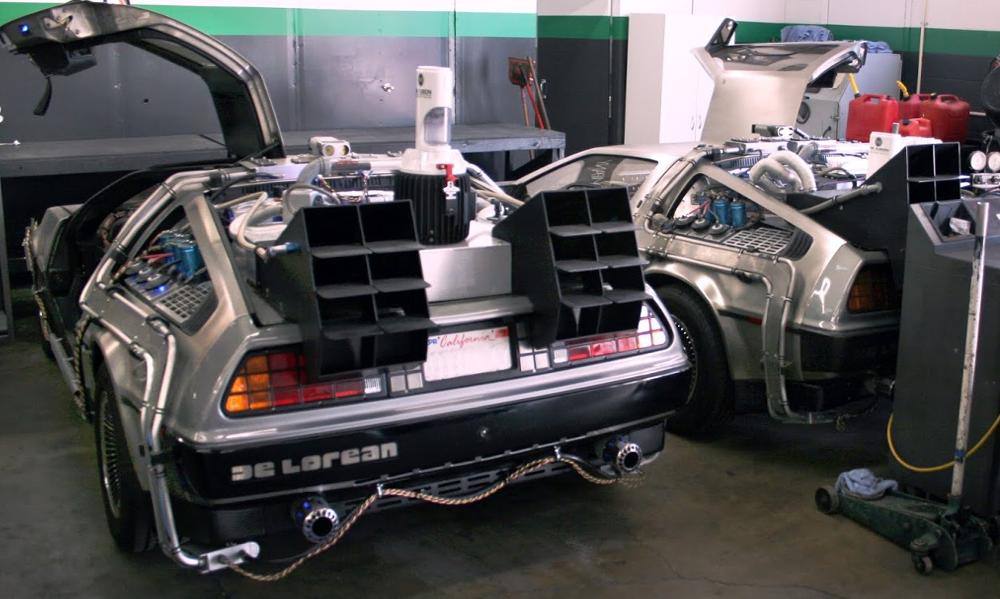 repliques DeLorean au garage