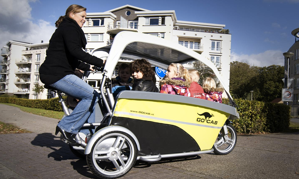 Les Pays-Bas inventent le vélobus scolaire à 8 places