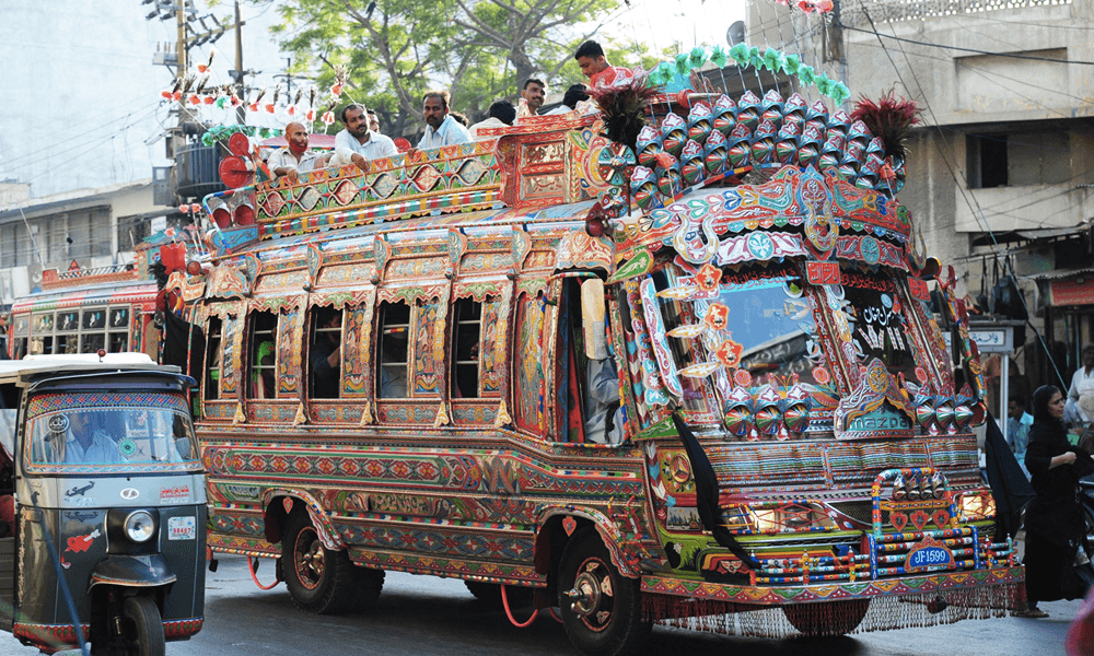 Au Pakistan, les bus vont carburer à la bouse de vache