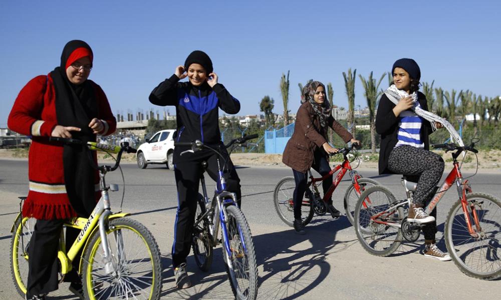 En Égypte, des femmes militent pour avoir le droit de faire... du vélo