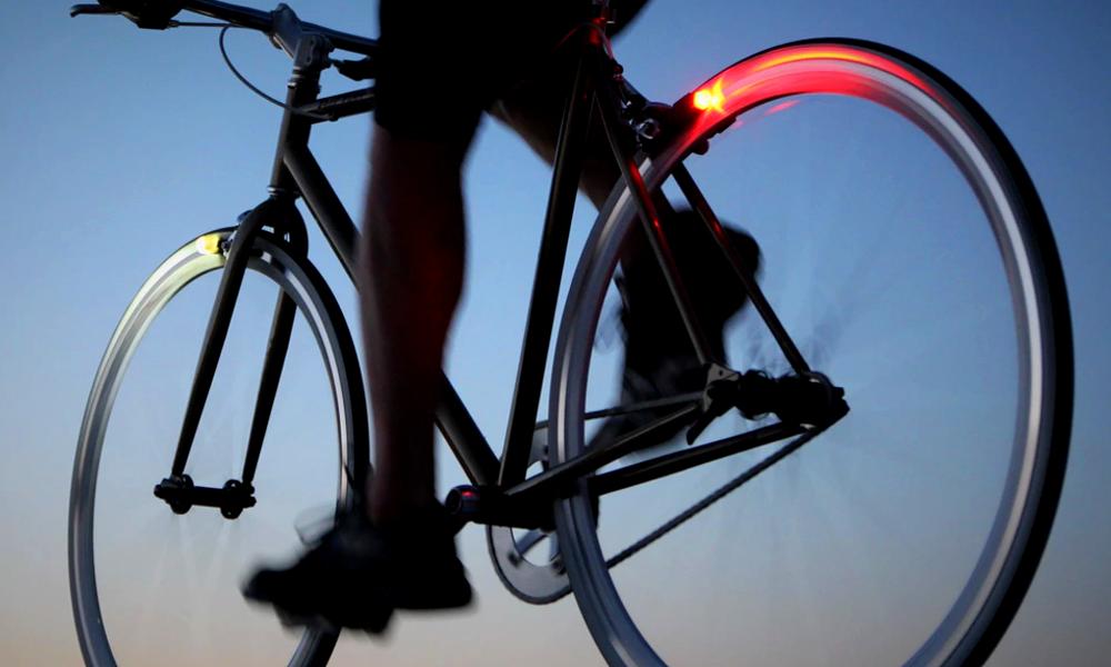 Cette dynamo sans pile éclaire votre vélo jusqu'à la fin des temps