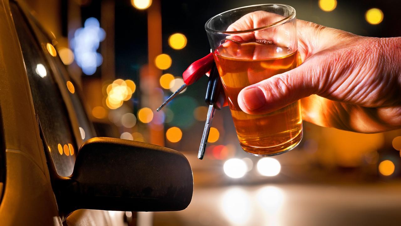 Vous avez trop bu? Avec HelloSam, un chauffeur vous ramène chez vous (avec votre voiture)