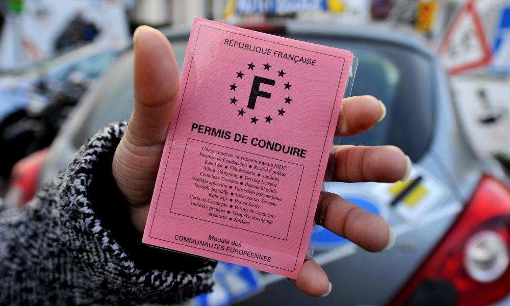 À Carpentras, le permis de conduire est offert en échange de 70 heures de travail