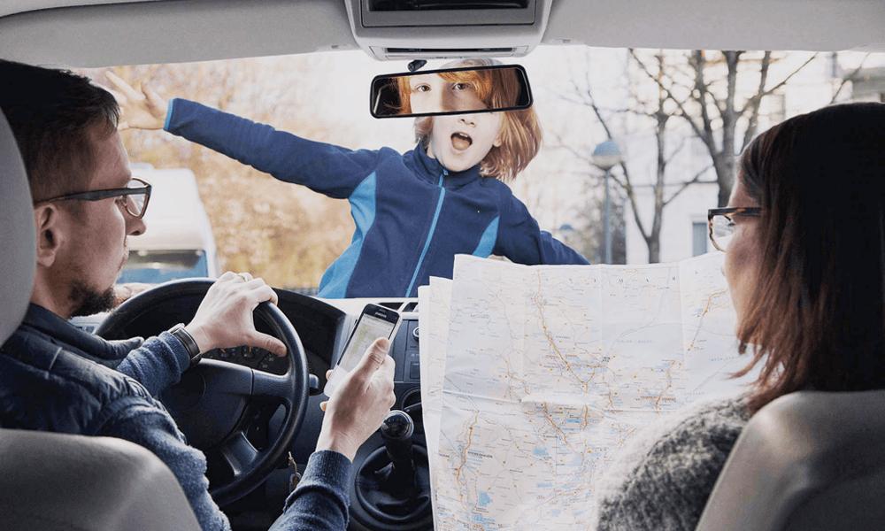 Attention danger : un Français sur deux téléphonerait au volant