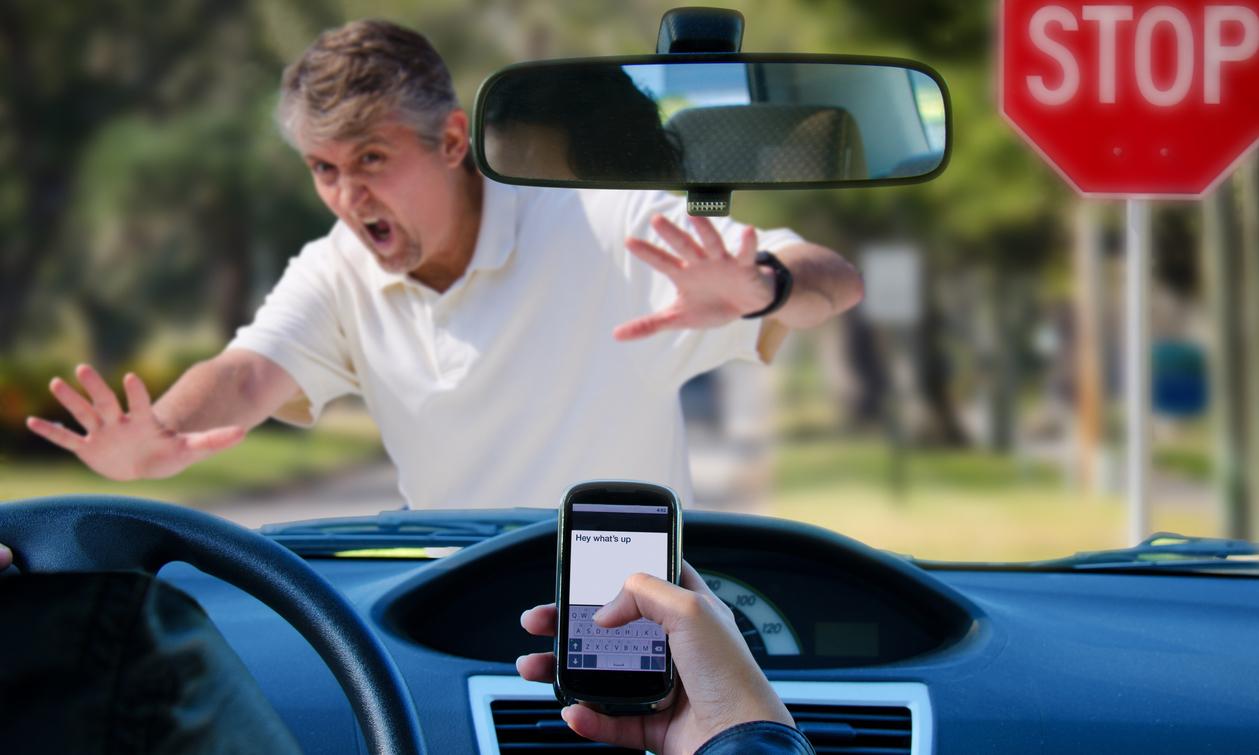 Au volant, le smartphone est devenu plus dangereux que l'alcool
