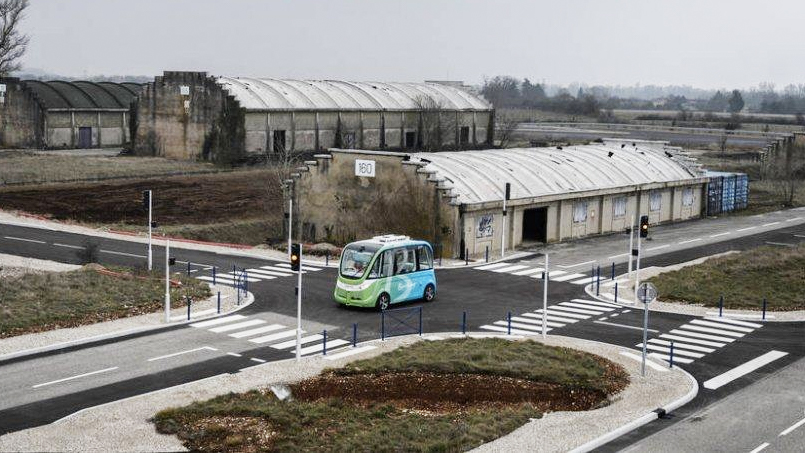 À Transpolis, dans la ville fantôme où la France teste les voitures autonomes