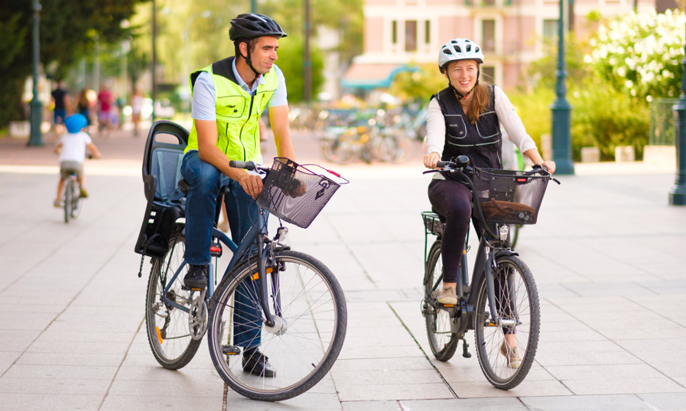Ce gilet jaune qui gonfle est l'airbag parfait pour les cyclistes