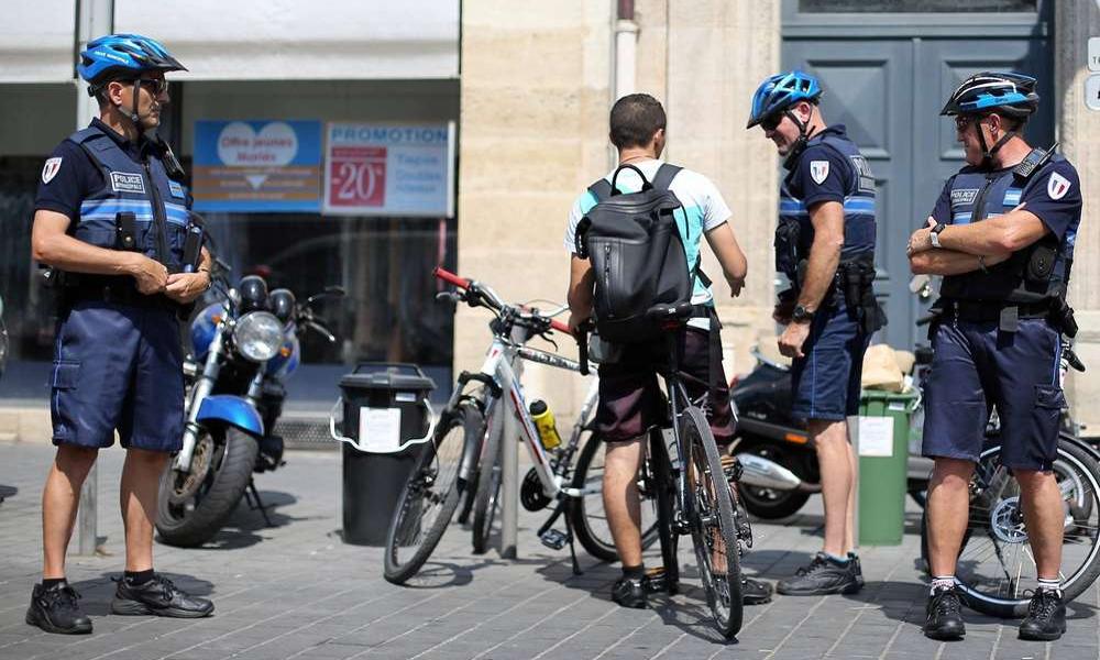 À Lyon, la police se met à verbaliser… les cyclistes