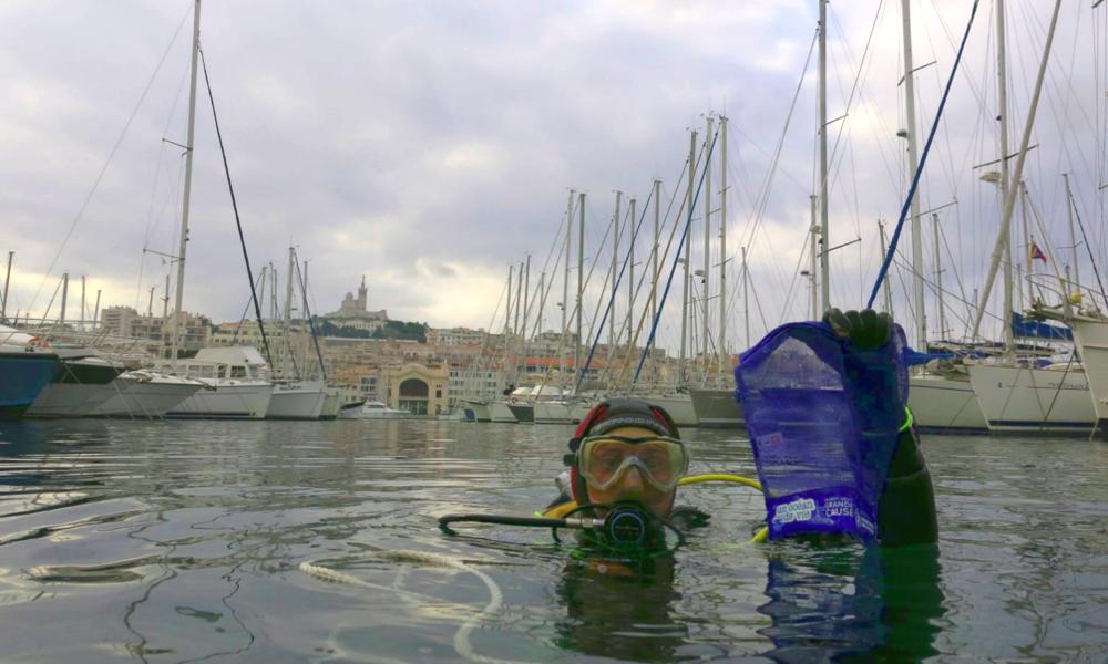 Un Marseillais veut transformer chaque plongeur en sentinelle de l'environnement