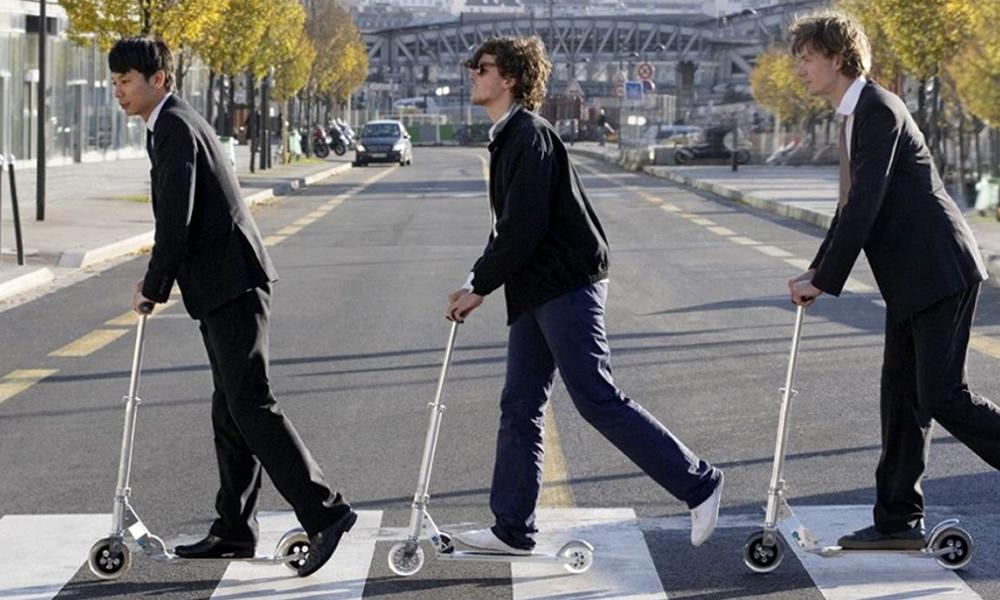 trottinettes Paris passage piéton