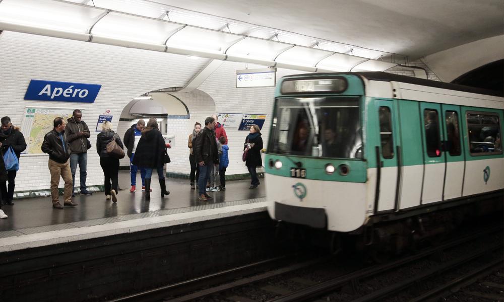 Paris va enfin tester des métros ouverts toute la nuit