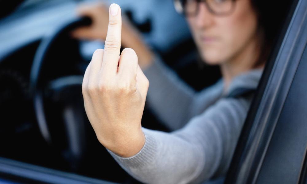 Put***, les femmes au volant seraient plus vulgaires que les hommes
