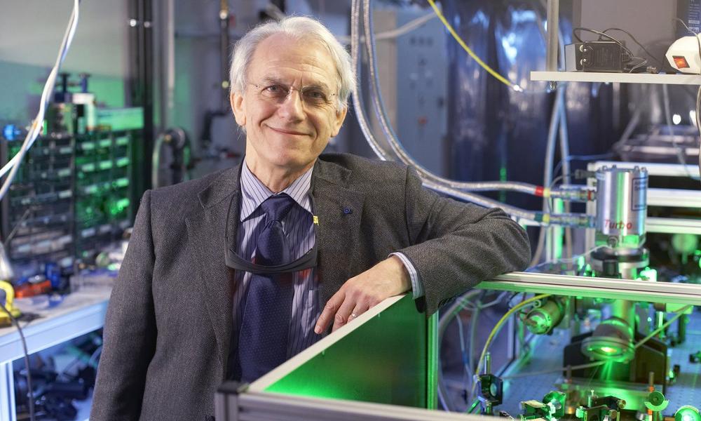 Ce prix Nobel français invente un laser pour supprimer les déchets nucléaires