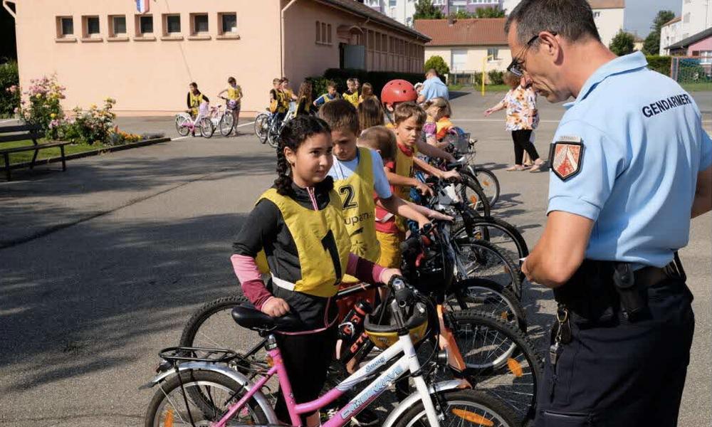 """Le gouvernement prépare un """"permis vélo"""" pour les enfants"""